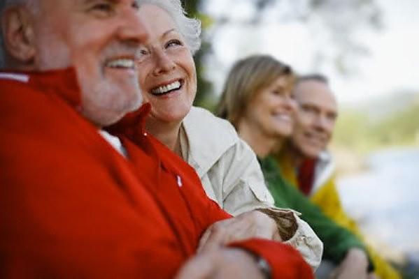 Cum să ne pregătim dacă nu vrem să ne ia pensia prin surprindere. Ce reguli ar trebui urmate pentru o bătrânețe liniștită