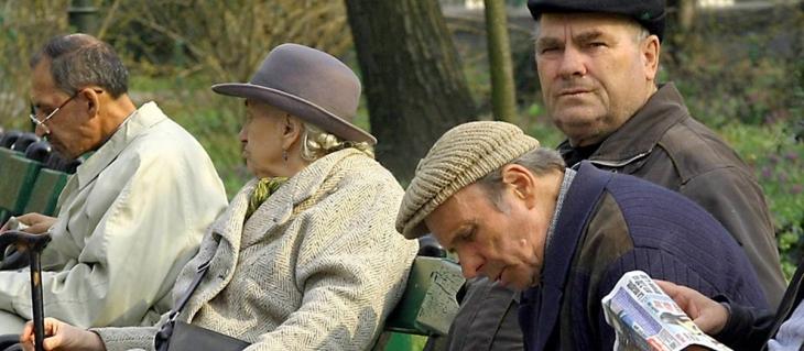 Sărăcia îi obligă pe români să se ducă la muncă și după 85 de ani!